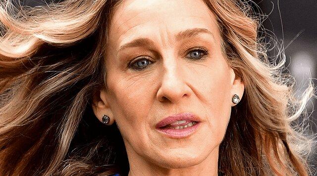Niechlujny kok i brak makijażu. 55-letnia piękna Parker została sfilmowana w Nowym Jorku