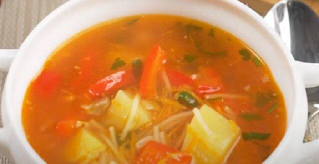 Jaskrawa i kolorowa jesienna zupa. Moja ulubiona