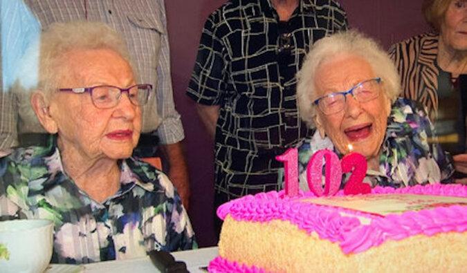 Bliźniaczki świętują swoje 102. urodziny i ujawniają sekret długowieczności, który wielu zaskoczy