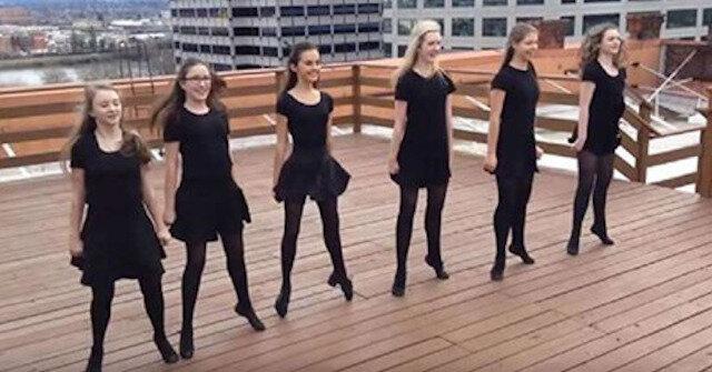 Niesamowity irlandzki taniec. To jakaś magia