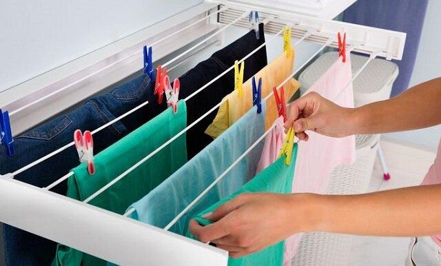 Zobacz dlaczego nie powinnaś suszyć ubrań w domu. Niebezpieczeństwo, o którym mało kto wie