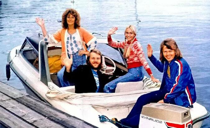 Morze, łodzie i jachty w życiu członków zespołu ABBA. Spędzili znaczną część swojego życia na morzu, ale nigdy nie śpiewali o tym