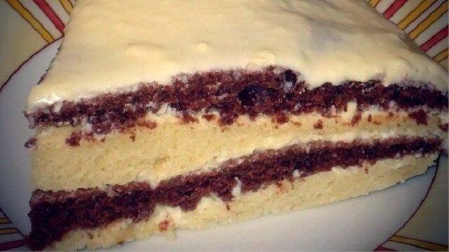 Taki przepis na lekkie i pyszne ciasto na kefirze powinien być u każdej gospodyni